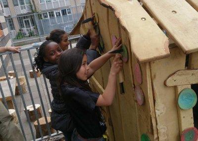 Speelhuisje-schoolplein-robinia-hout-(2)