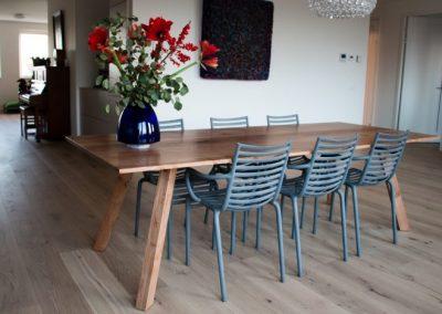 Tafel Grote-iepenhouten-tafel-702x468