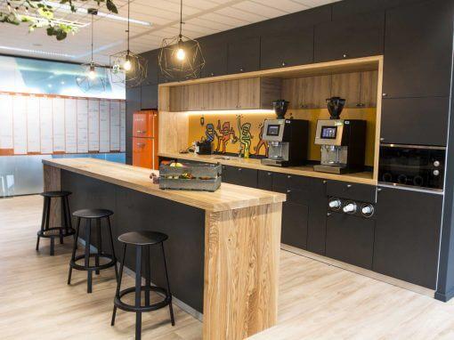 Kantoorinrichting keuken en bar